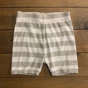 Old Navy cotton shorts 12-18mos